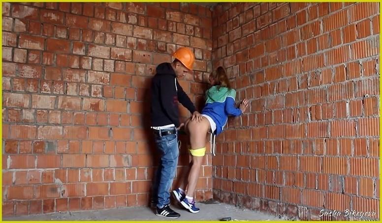 [] Aleksandra Bikeeva - Unexpected Sex At A Construction Site Aleksandra Bikeeva - SiteRip-00:09:52 | Clothed, Butt - 164,3 MB