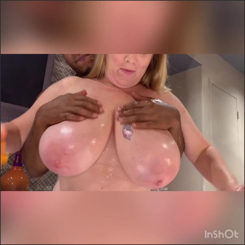 [SD] amaziing718 big ass amp bigger boobs Amaziing718 - ManyVids-00:07:17 | Big Boobs, Big Ass, Bbc - 215,7 MB