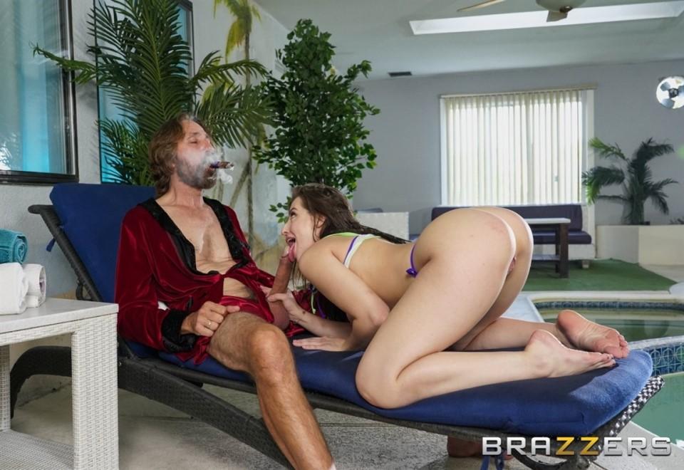 [Full HD] Aubree Valentine - Intrud - Aubree Valentine - Intrud-Her - SiteRip-00:32:00 | Pussy Licking, Ass Licking - 1,3 GB