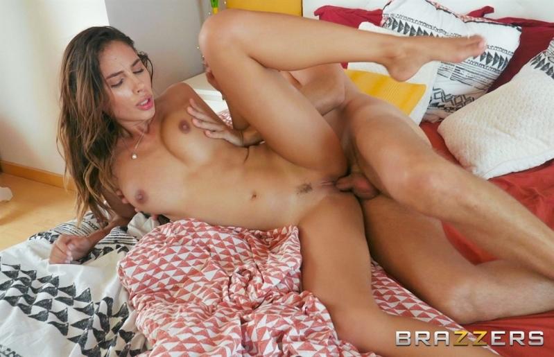 [HD] Baby Nicols - Baby Nicols Gets Fucked In Bed - Baby Nicols - SiteRip-00:25:58 | Facial, Blowjob - 636,5 MB