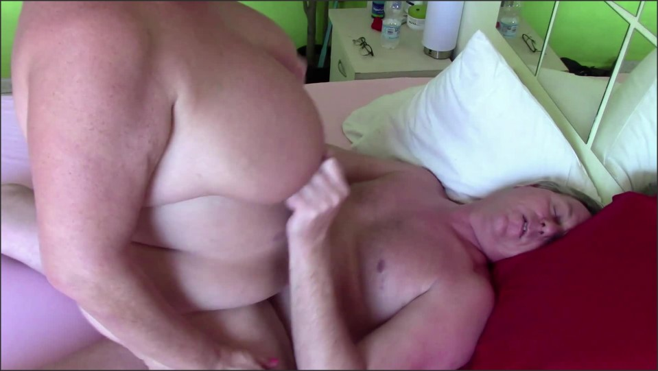 [Full HD] big ass mature gets filled with a thick creampie   - Dutchies4Fun - -00:09:40 | Bbw, Hardcore - 229,8 MB