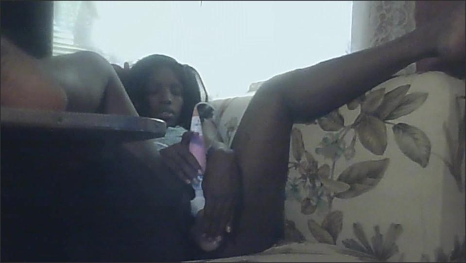 [Full HD] black girl smoking and cumming   - Iceprincess30 - -00:12:06   Lingerie, Toys, Masterbating - 582,1 MB