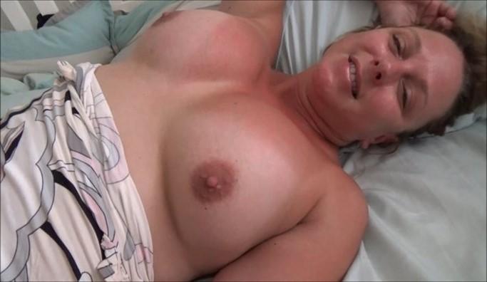 [Full HD] Brianna Beach - Morning Play With Step Brianna Beach - SiteRip-00:14:53 | Mother, Pov, Taboo - 1,3 GB