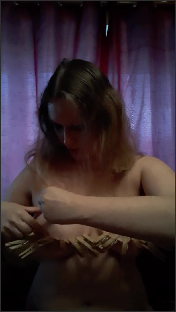 [SD] clothes pegs on tits tit tourture   - GoldenNeonRose - -00:06:03 | Bdsm, Nipple Tourture - 53,3 MB