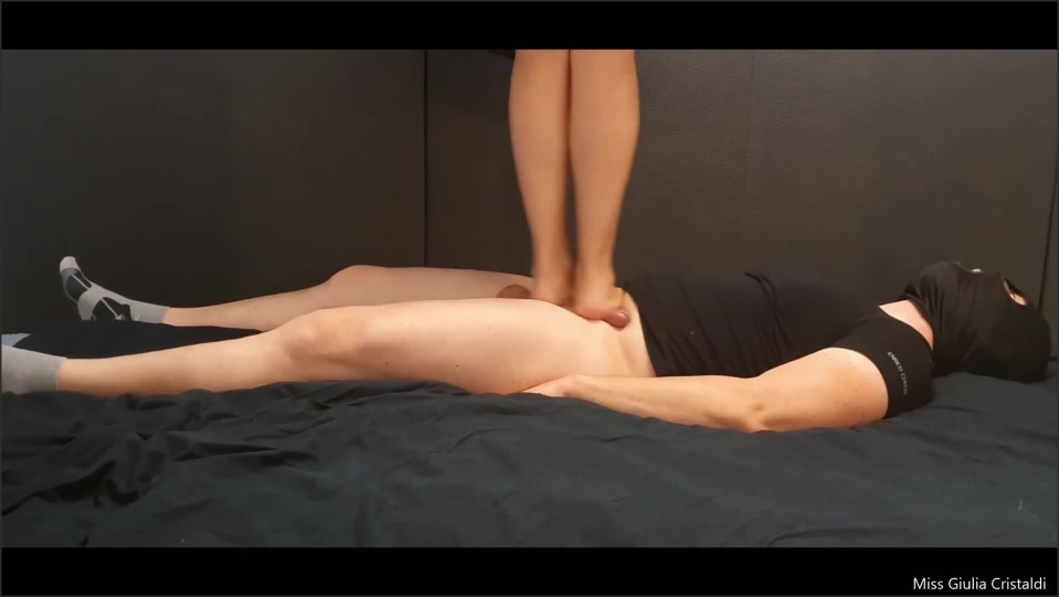 [Full HD] cock ball trampling 2 parte con dialoghi   - Miss Giulia - -00:08:31 | Role Play, Foot Domination - 98,5 MB