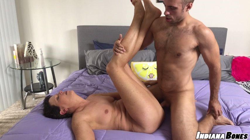 [HD] dan ferrari erotic massage and fucking for milf beth Dan Ferrari - ManyVids-00:17:36 | Cumshots, Blow Jobs, Milf - 1018,8 MB