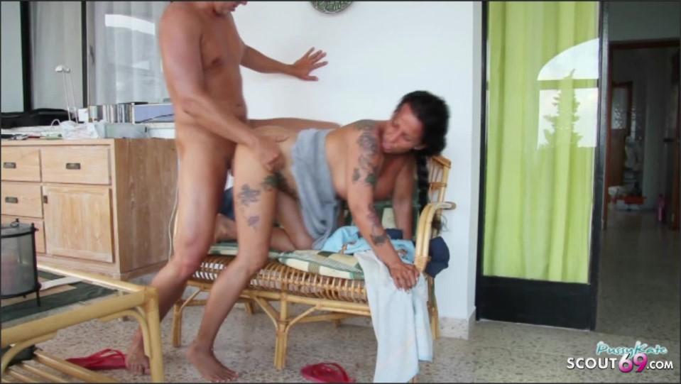 [Full HD] deutsche mutter katie von jungspund im urlaub auf terrasse gefickt   - Katie-Pears - -00:06:50 | Mutter, Role Play, Public Sex - 108,8 MB