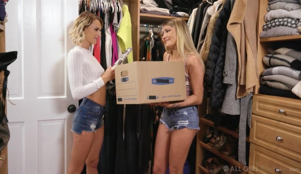 [Full HD] Emma Hix, Adria Rae - Mom's Closet Strap Emma Hix, Adria Rae - SiteRip-00:25:17   Teen, Massage, Natural Tits - 987,1 MB