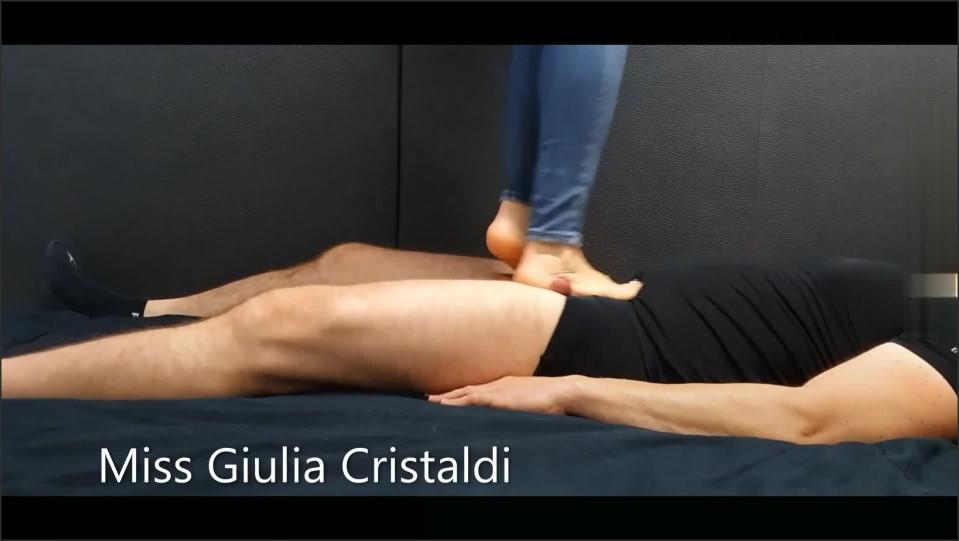 [Full HD] gli faccio un cock trampling fino a farlo venire   - Miss Giulia - -00:06:08 | Cock Trampling, Cock Trample Cum - 96,8 MB