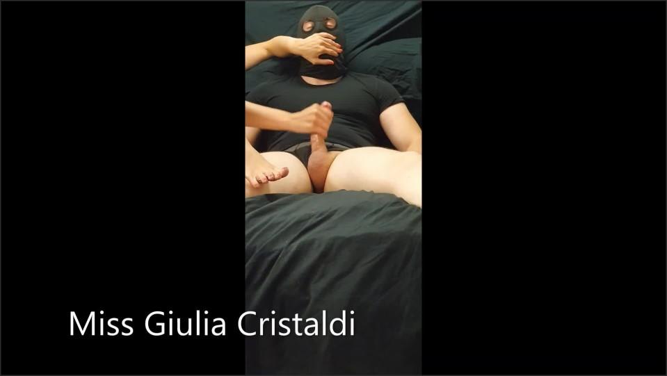 [Full HD] hand over mouth handjob   - Miss Giulia - -00:06:09 | Verified Amateurs, Italian - 47,1 MB