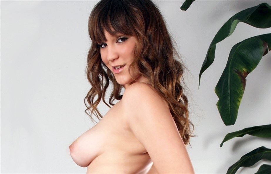 [Full HD] Holly Michaels Holly Michaels - SiteRip-00:24:34 | Big Natural Tits, Cum On Tits, Hardcore - 1,6 GB