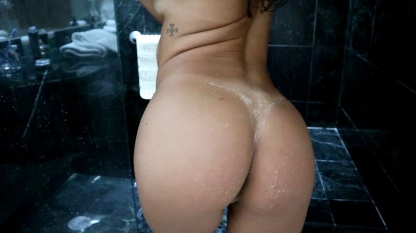 [Full HD] insatiablebabe undressing and shower after beach InsatiableBabe - ManyVids-00:14:06   Shower Scenes, Voyeur, Reality Porn - 825,8 MB