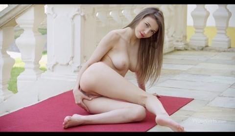 [4K Ultra HD] Mila Azul - She Is A Horny Pip 4K Mix - SiteRip-00:19:28 | Posing, Big Natural Tits, Outdoors - 2,3 GB