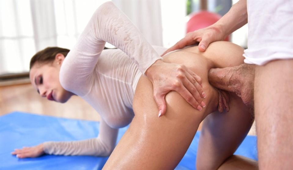 [Full HD] Nicole Love - Oily Yoga 2 Nicole Love - SiteRip-00:23:08 | Muscular, Face Fuck, Ass Worship - 435,7 MB