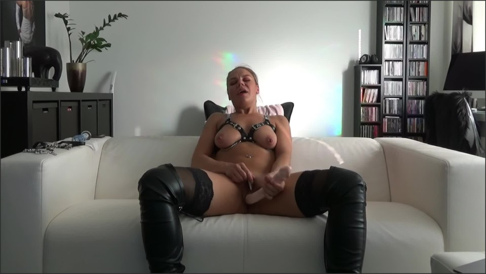 [Full HD] omg my sexy wife gets 100 real orgasm on cam as for my birthday gift   - RealisticSexCouple - -00:08:49 | Female Orgasm, Milf - 185,4 MB