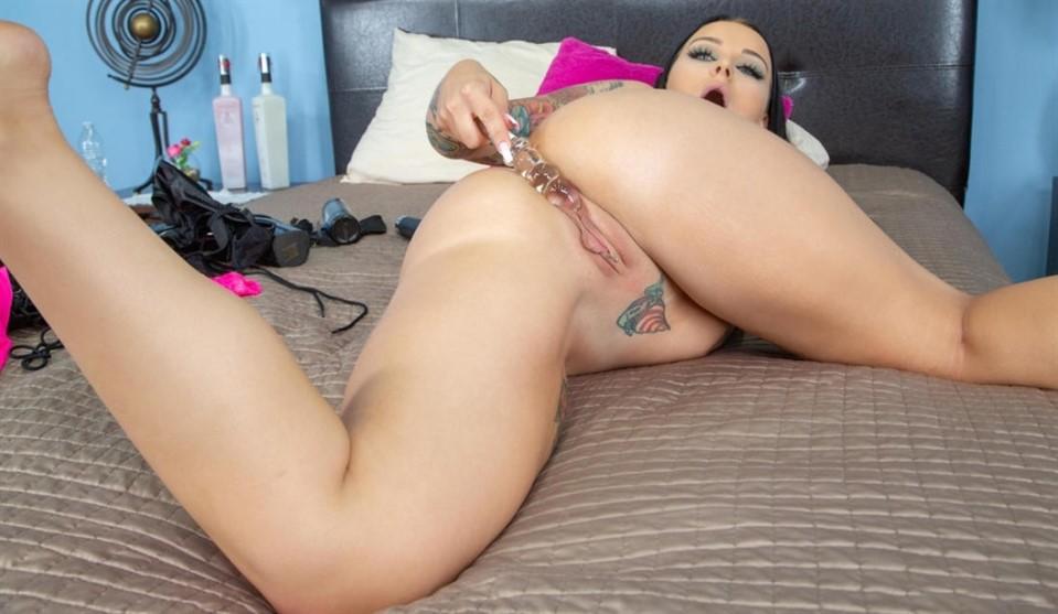 [Full HD] Payton Preslee - Ferociously Sweet Payton Preslee LIVE Payton Preslee - SiteRip-01:00:15 | Big Tits, Posing, Shaved - 6,4 GB
