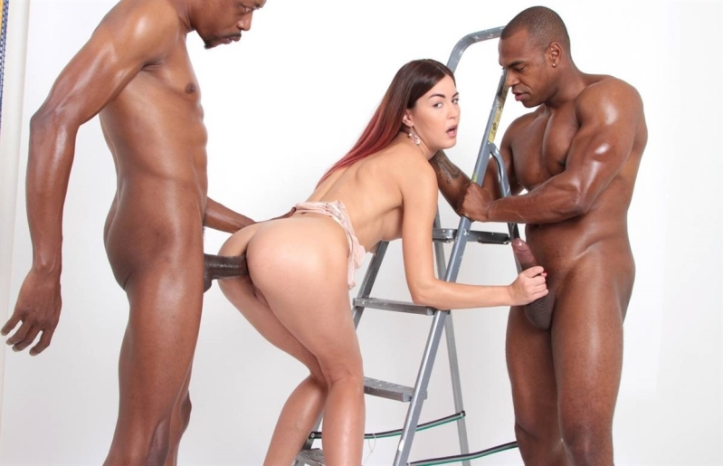 [HD] Photoshoot with top model Cindy Shine turns into hot - Cindy Shine - SiteRip-00:53:08 | Prolapse, Blowjob - 1,8 GB