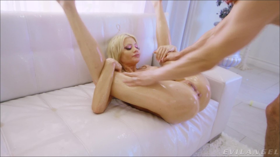 [4K Ultra HD] Riley Steele - Oily Anal Orgasm, Gaping - Riley Steele - SiteRip-00:25:30   Gonzo, Hardcore - 2,7 GB