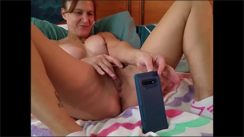 [Full HD] sexy milf masturbates and cums multiple times on video chat with her young bull   - Brittany Blowsu - -00:08:32   Babe, Orgasm, Girlfriend - 171,4 MB