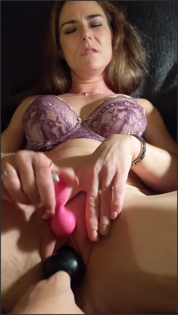 [SD] something to cum to boys   - Onecumkitty - -00:09:31   Mature, Milf, Amateur Milf - 98,7 MB