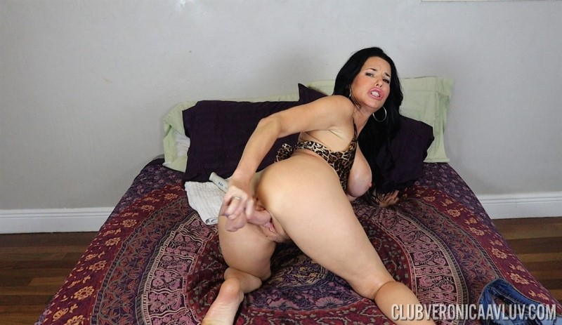 [Full HD] Veronica Avluv - In Fucked By Your Dildo - Mix - SiteRip-00:05:24 | Toy, Big Tits - 398,8 MB