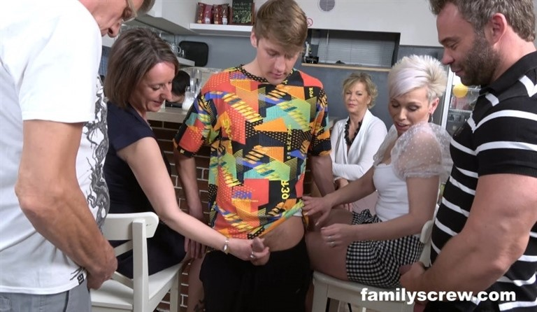 [Full HD] Virgin son learning to fuck from old bar ladies Mix - SiteRip-00:22:35 | Blowjob, Mature, Old Young - 2,4 GB
