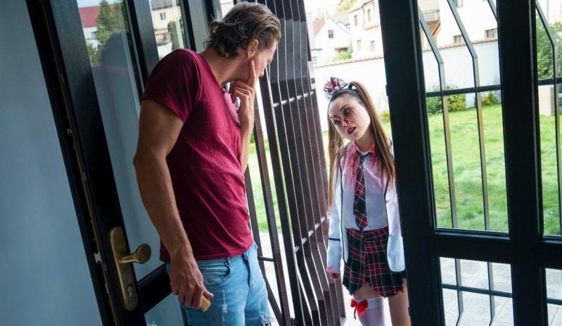 [Full HD] Yiming Curiosity - Zombie teen Halloween double team - Yiming Curiosity - SiteRip-00:25:46 | Sex, School Girl - 1,3 GB