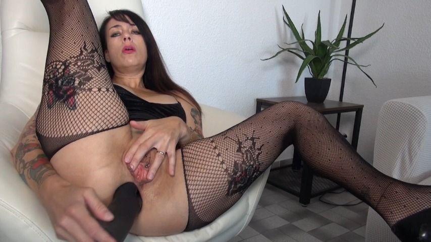 [HD] Adeline Lafouine Huge Dildo Amp Champagne Adeline Lafouine - ManyVids-00:20:53 | Anal Play,Dildo Fucking,Extreme Close-Ups,Huge Dildo - 1,5 GB