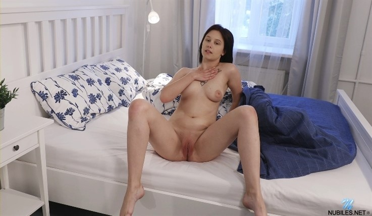 [Full HD] Anais - Rise & Shine 12.09.20 Mix - SiteRip-00:11:37 | Medium Boobs, Solo, Masturbation, Short hair, Brunette, Shaved Pussy, Lingerie - 582,1 MB