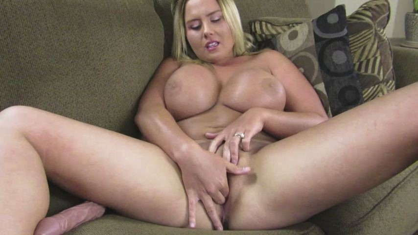 [HD] Arkcollegegirl College Girl Rubs Her Pussy And Cums ArkCollegeGirl - ManyVids-00:07:57   Dildo Fucking,Masturbation,Orgasms,POV,Pussy Play - 509,8 MB