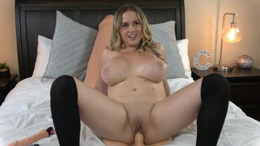 [Full HD] Arkcollegegirl Riding Dick On Cam ArkCollegeGirl - ManyVids-00:11:42 | 4K,Squirt,Big Boobs,Shaved,Blonde - 634,7 MB