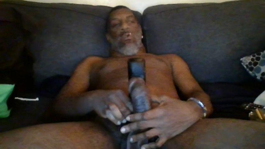 [HD] Bcmxxx Jerking Off Smoking Weed BCMXXX - ManyVids-00:12:29 | Solo Male,Solo Masturbation,Black &Amp;Amp; Ebony,BBC,Smoking - 175,9 MB