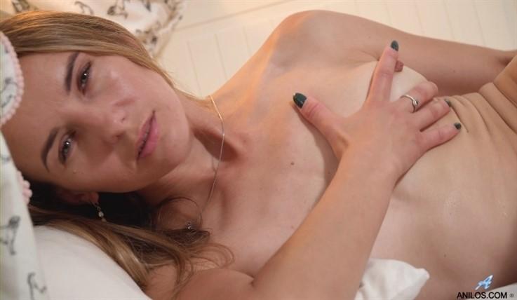 [Full HD] Bekki - Keeping It Tight 22.07.20 Mix - SiteRip-00:19:38 | Solo, Toys, Masturbation, Blonde, Panties, Tall Girls, Fair Skin, Shaved Pussy, Medium Boobs, Long hair, Puffy Nipples - 983,3 MB