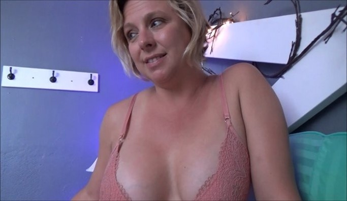 [Full HD] Brianna Beach - Be Honest With Me Brianna Beach - SiteRip-00:19:20 | Incest, Roleplay, Son, Taboo, Family Sex, Mother, POV - 1,2 GB