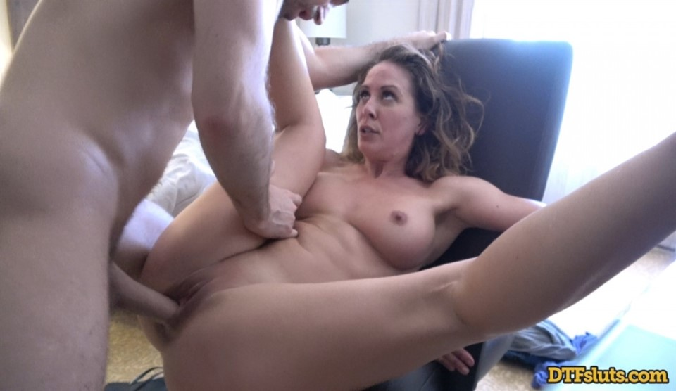 [4K Ultra HD] Cherie Deville - Fucks in a hotel hookup Cherie Deville - SiteRip-00:39:41 | Rough Sex, Blonde, Great Ass, Big Tits, Creampie, Reality, Porn Star, Big Dick, Shaved Pussy, MILF - 5,6 GB