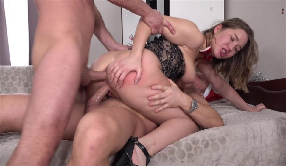 [Full HD] Christmas Takes Two Big Cock In Narrow Holes - Screaming For Hard Fuck VK Facial Amalia Devis - SiteRip-00:44:21 | Blowjob, ATP, Teen, Anal, Gapes, Big Butt, Facial, Rough, Double Penetration, ATM, Deep Throat - 3,8 GB