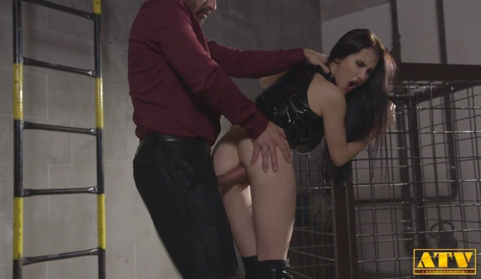 [HD] Crystal Greenvelle - Willing To Do Anything Mix - SiteRip-00:31:58 | Hardcore, Anal, Gonzo - 600,2 MB