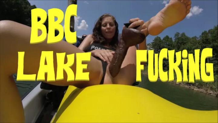 [Full HD] Cuckoldingmilf Cuckolding Milf Bbc Dildo Lake Fucking CuckoldingMILF - ManyVids-00:05:37   BBC,Huge Dildo,Public Outdoor,Hardcore,MILF - 957,5 MB