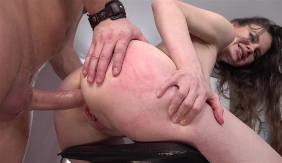 [Full HD] Cute in The Ass by Big Cock Mr. Anderson + double anal squirt VK natural tits Tina Grey - SiteRip-00:43:52 | deep throat, gapes, squirting, circular anal gape, natural tits, butt plugs, n...