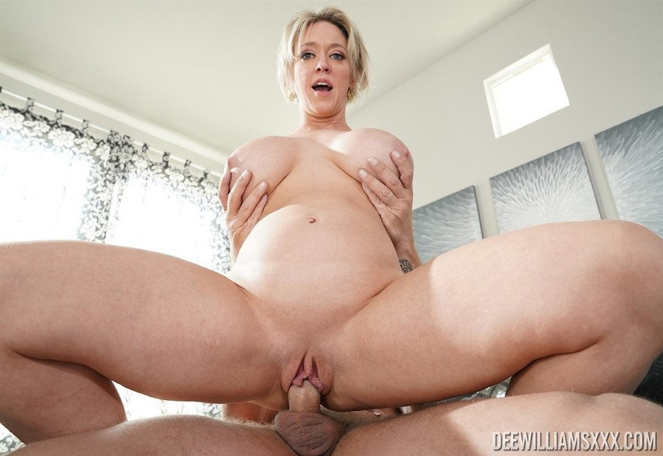 [4K Ultra HD] Dee Williams - In Fucked On Your Mattress Mix - SiteRip-00:20:16 | Gonzo, MILF, Hardcore, All Sex - 1,5 GB