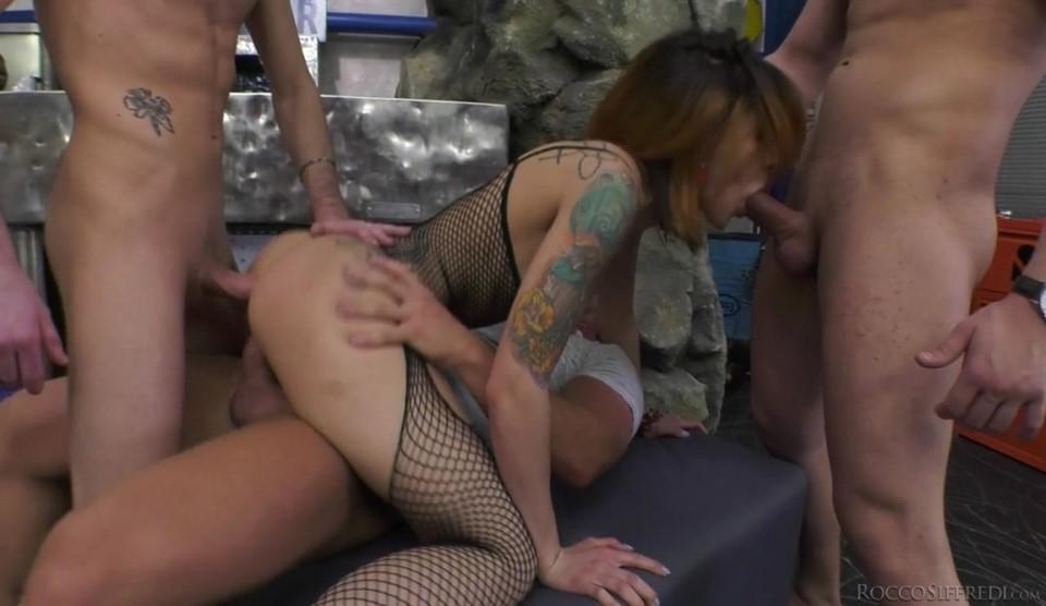 [HD] Ella Malina & Amina Danger - Rocco'S Dirty Girls 2 Mix - SiteRip-00:39:16 | Blowjob, Big Tits, RedHead, Group sex, Facial, DP, Deepthroat, Natural tits, Anal, Hardcore - 1,1 GB