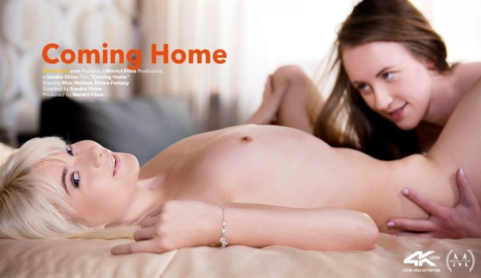 [Full HD] Emma Fantazy & Miss Melissa - Coming Home Emma Fantazy & Miss Melissa - SiteRip-00:23:49 | Bedroom, Bracelet, Lesbian, Blonde - 1,3 GB