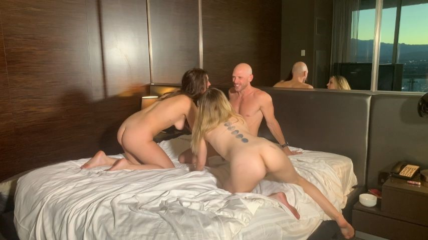 [HD] Jackie Ohh Threesome With Johnny Sins Amp Anna Claire JACKIE_OHH - ManyVids-01:06:24 | Threesome,Balcony,POV,Boy Girl Girl,Wet &Amp;Amp; Messy - 903,8 MB