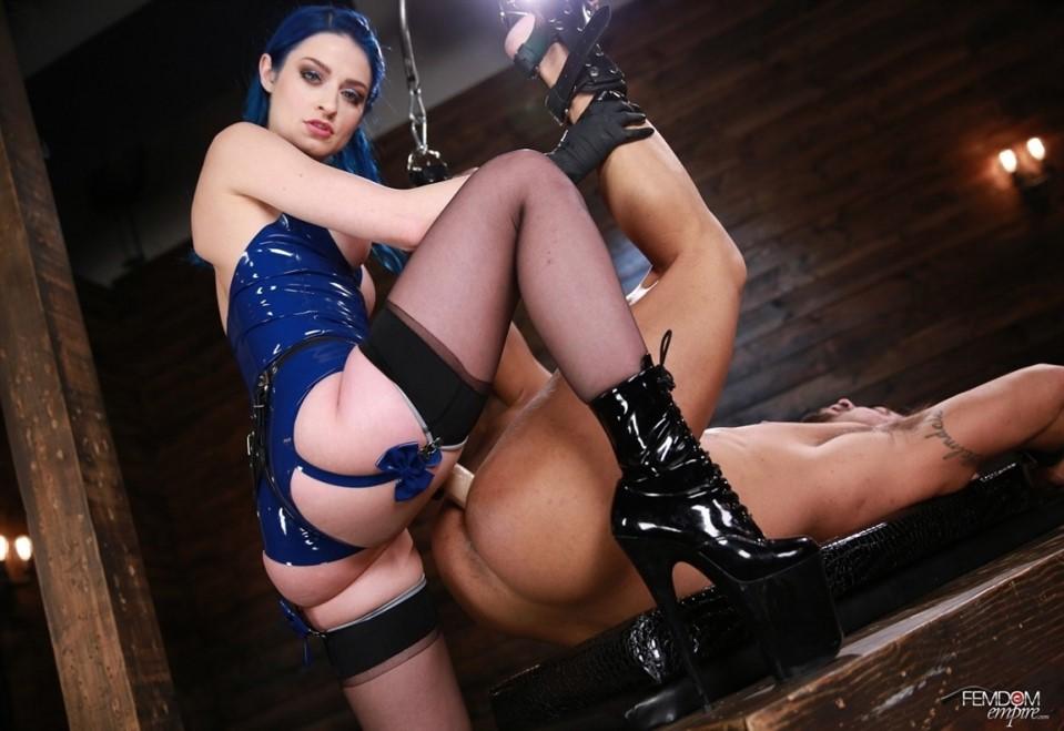 [Full HD] Jewelz Blu - Sissy Stretcher Jewelz Blu - FemdomEmpire.com-00:15:21 | Anal, Femdom, Pegging, Stockings, Anal Fingering, Chastity, Strapon - 1,1 GB