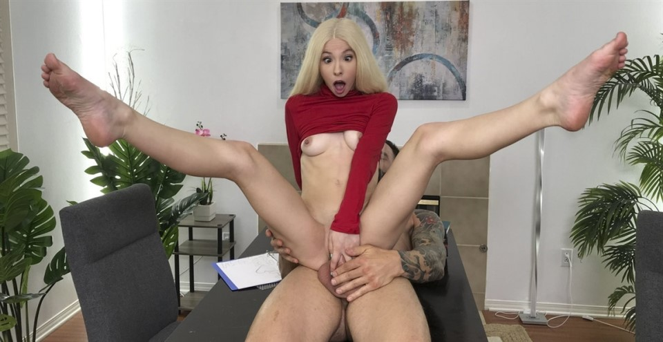 [Full HD] Kenzie Reeves - Stuck On The Cock Kenzie Reeves - SiteRip-00:27:29 | Stand And Carry, Big Dick, Petite, Innie Pussy, Spitting, Blonde, Tattoo, Blouse, Doggystyle, Bald Pussy, Teen Role, S...