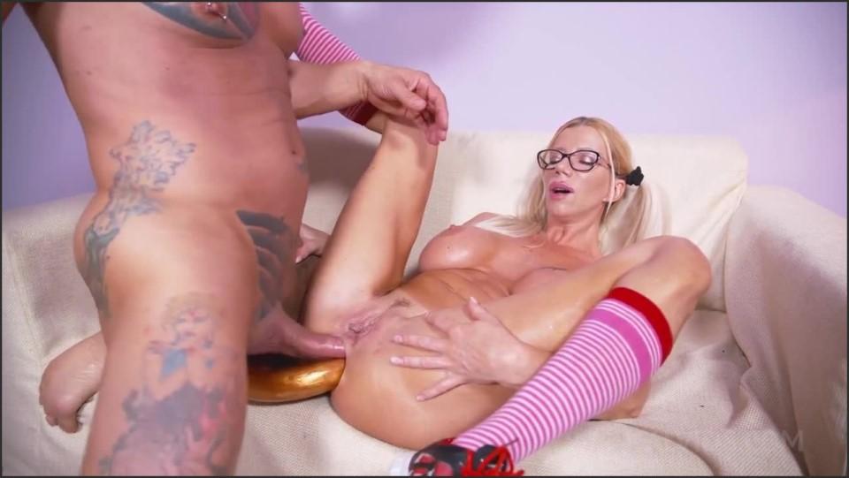 [HD] Lara De Santis destroys her and boyfriend's ass DP, pegging, gape OTS482 720p Lara De SantisDamian Lee - AnalVids.com-00:27:52 | double penetration, facial cumshot, big tits, pegging, cheerlea...