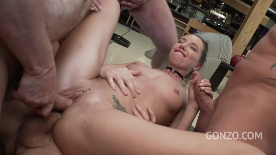 [HD] Lola Bulgari Butthole Bowling 6On1 DP SZ1793 Lola Bulgari, Erik Everhard, Ian Scott, Mike Angelo, Max Born, Paul McCaul, Lutro - SiteRip-00:40:11 | DP, Asslicking, Gangbang, A2M, Anal, Rimming, Gape - 1,3 GB