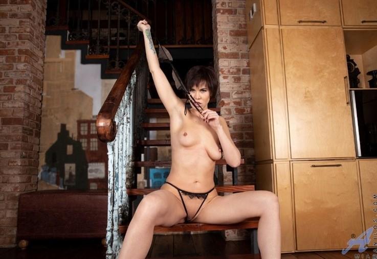 [Full HD] Mia - Brunette Beauty 16.10.20 Mix - SiteRip-00:13:13 | Short hair, Puffy Nipples, Bras, Stockings, Medium Boobs, Black Hair, Shaved Pussy, Panties - 650,3 MB