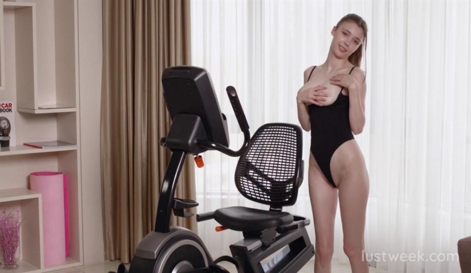 [Full HD] Mila Azul - Working Hard To Be Perfect Mix - SiteRip-00:19:19   Sport, Masturbation, Big Tits, Solo, Shaved Pussy - 1,4 GB