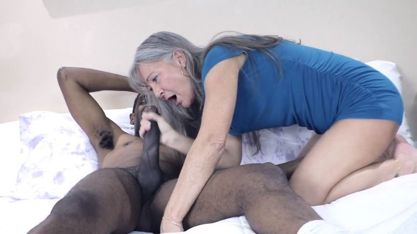 [Full HD] Milfonblack Hotel Muscle Fit Gilf Fuck And Cum MilfonBlack - ManyVids-00:29:42 | GILF,Fitness,Interracial,BBC,Grannies - 819,3 MB